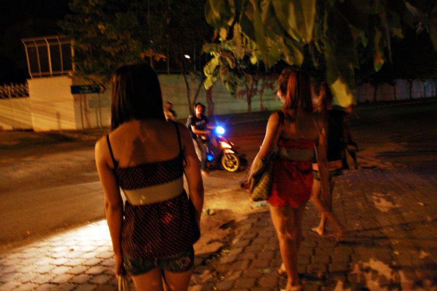 "Entertainment workers always suffer from gang rape ""Bauk"".  Sovann Philong"