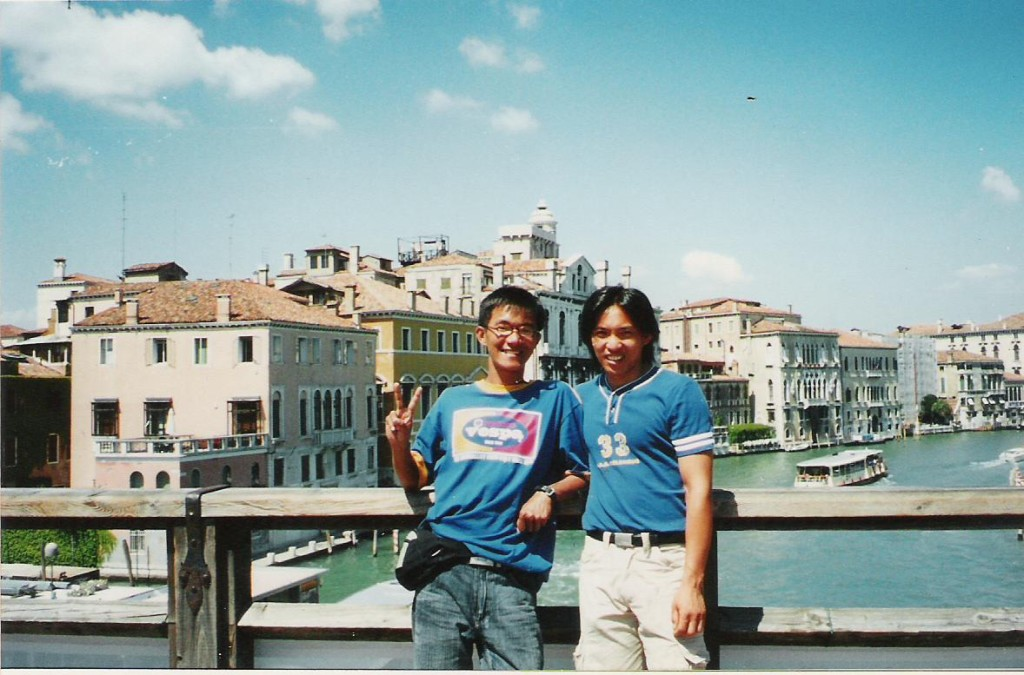 With my former classmate Mao Meng took me around Venice, Italy, 2005